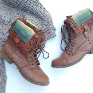 SM New York • lined cuffed combat boots